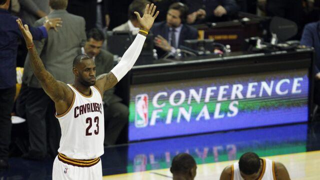 brand new 9984f 3c0f7 Gwiazdor NBA i lider Cleveland Cavaliers LeBron James podpisał dożywotni,  rekordowy kontrakt z Nike, który opiewa na ponad miliard dolarów!