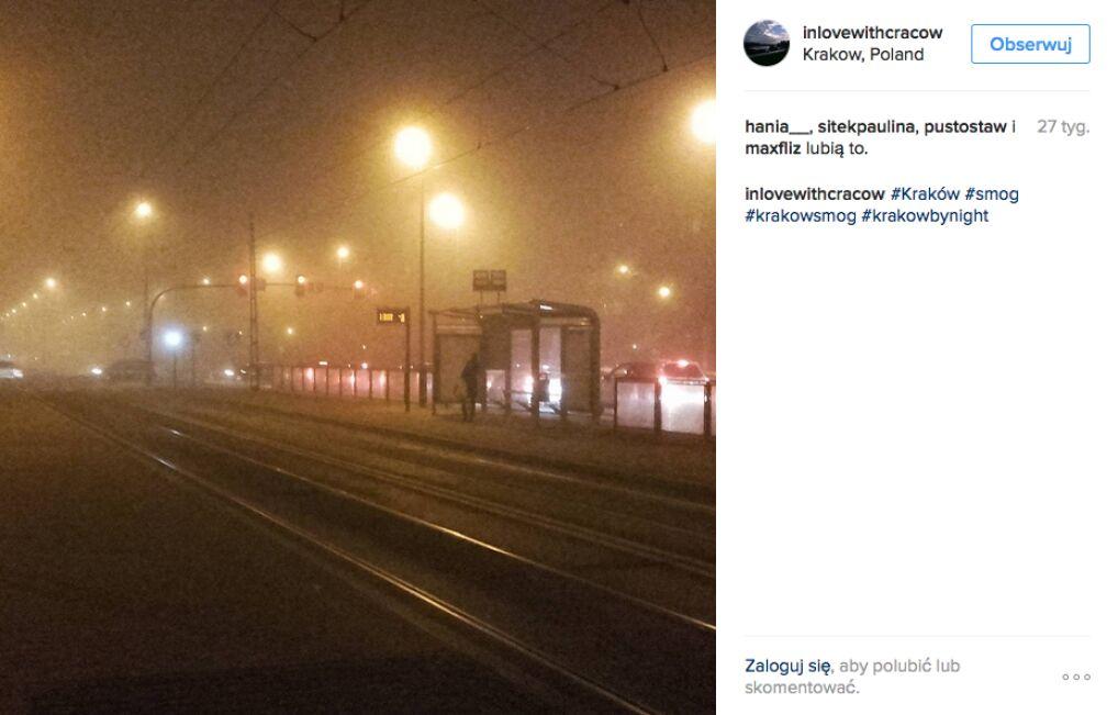 W Krakowie smog najbardziej dokucza jesienią i zimą, kiedy pali się w piecach.