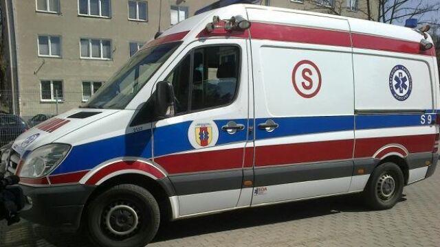 """Zaatakowali załogę karetki. """"Próbowali wrzucić rower do ambulansu"""""""