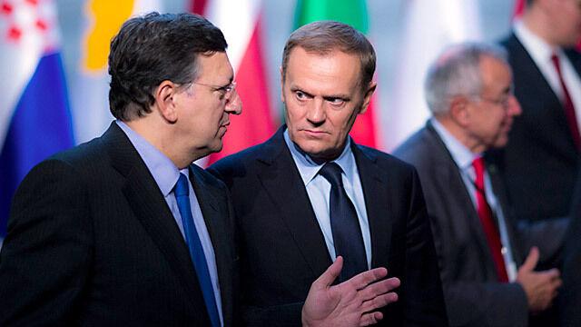 Tusk: Przed nami decyzja, czy przyjąć euro. Być rdzeniem czy peryferią UE