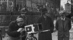 """Album """"100x100"""": Kręcenie filmu w Gdańsku (sygn. 1-K-12188) - 360 polubień"""