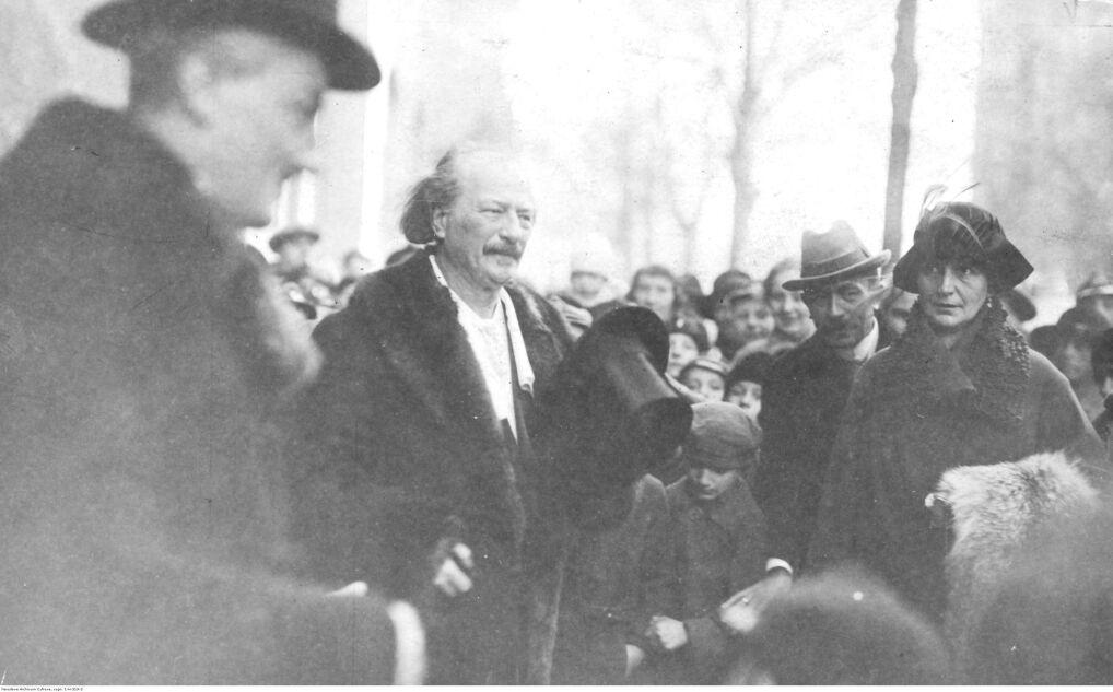"""Album """"100x100"""": Przyjazd I.Paderewskiego do Poznania (sygn. 1-H-319-2) - 289 polubień"""