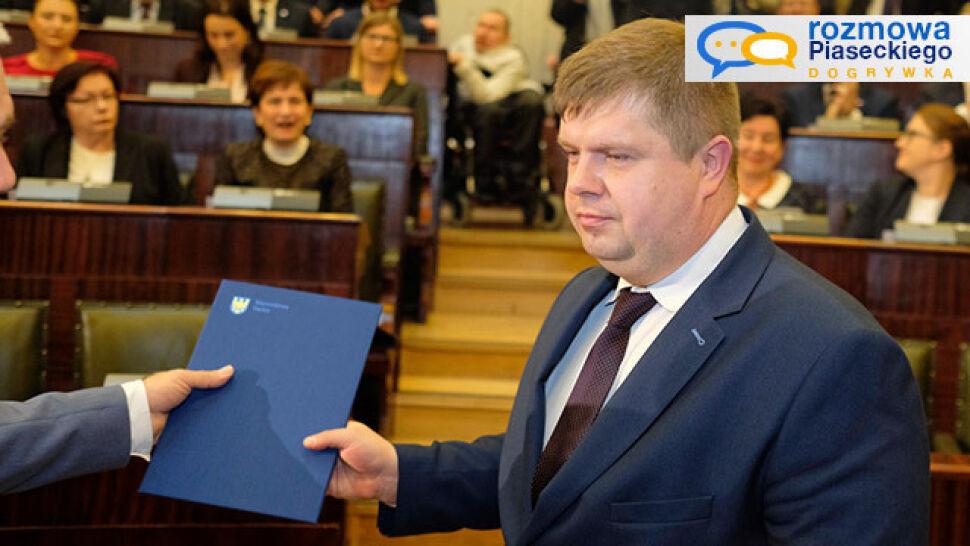"""""""To nie jest żaden skandal"""". Wójcik o wolcie politycznej radnego i zmianie władzy na Śląsku"""
