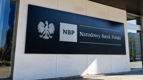 Pensje, premie i usługi zewnętrzne. Bank centralny pod lupą NIK
