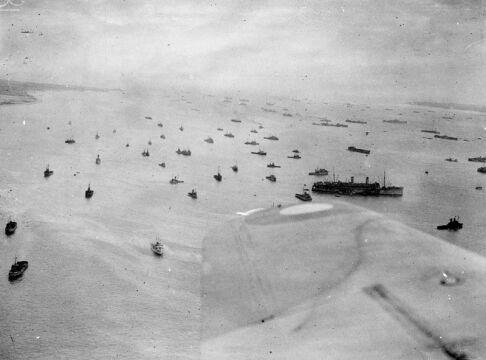 Zgrupowanie brytyjskiej floty w okolicach wyspy Wight