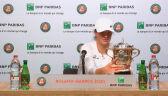 Świątek o pucharze za triumf w Roland Garros