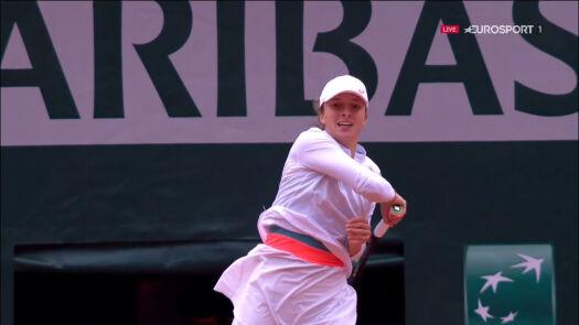 Mocny serwis i świetne zagranie Świątek w półfinale Roland Garros