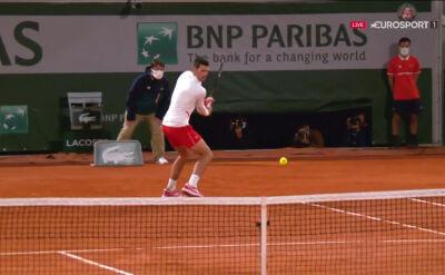 Djoković w najlepszym wydaniu. Świetne zagranie Serba w ćwierćfinale Roland Garros