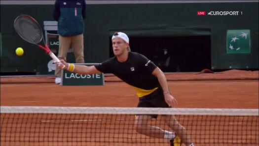 Kapitalna gra Schwartzmana przy siatce w ćwierćfinale Roland Garros