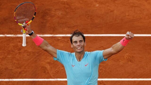 Nadal zdeklasował Djokovicia w finale i zrównał się z Federerem na liście wszech czasów