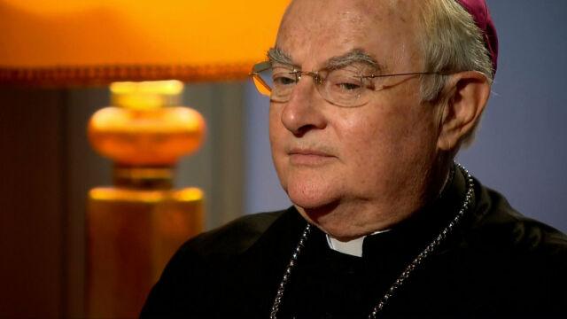 Abp Hoser w TVN24: Kościół w praktyce duszpasterskiej zdradził Jana Pawła II