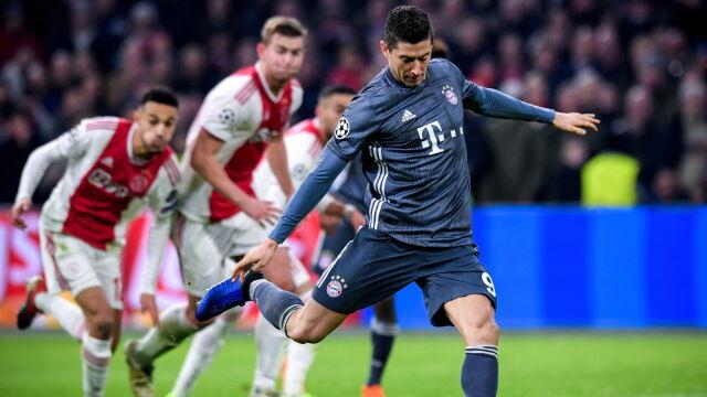 Lewandowski trafiał, Bayern obronił pozycję lidera. Szalony wieczór w Amsterdamie