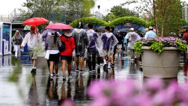Deszcz na US Open. Mecze Świątek i Majchrzaka opóźnione