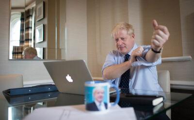 Johnson zmierza na konferencję programową