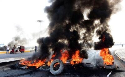 Protesty w Iraku. Władze wprowadzaja godzinę policyjną