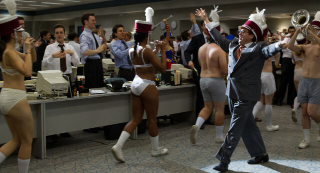 """Kadr z filmu """"Wilk z Wall Street"""""""