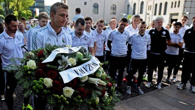 Legia pamięta o Powstaniu Warszawskim. Hołd w drodze na mecz