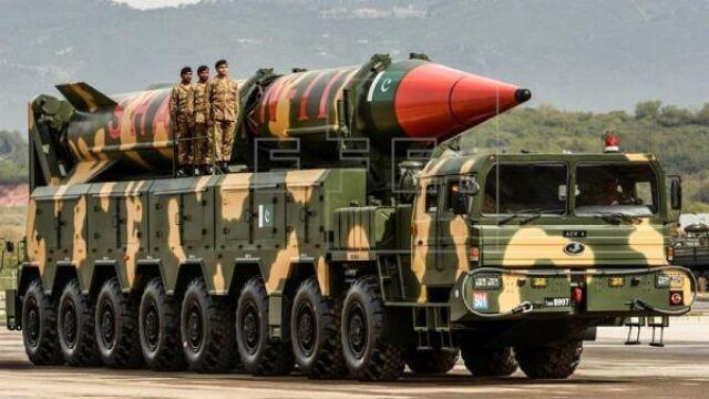 """Pakistan przeprowadził próbę rakietową. """"Możliwe ostrzeżenie"""" pod adresem Indii"""
