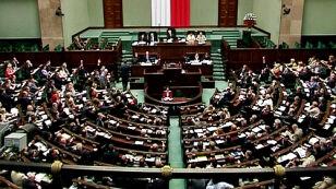 Sejm za tym, aby media publiczne dbały o wartości chrześcijańskie