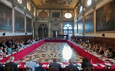Węgierskie ustawy o sądach pod lupą Komisji Weneckiej