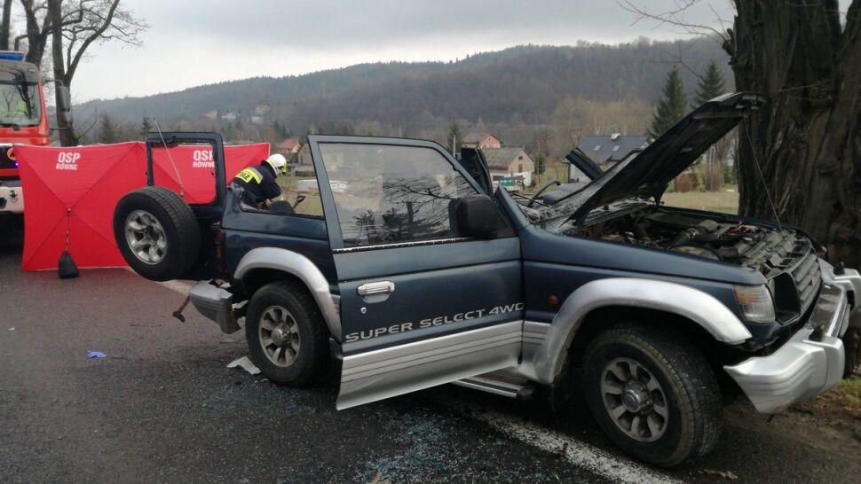 """Zderzenie ciężarówki i samochodu terenowego. """"Mimo reanimacji kierowca zmarł"""""""