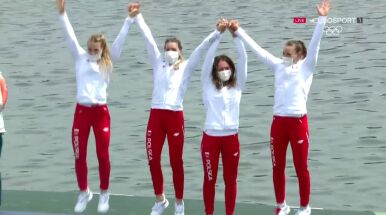 Na podium skakały z radości. Polki odebrały medale