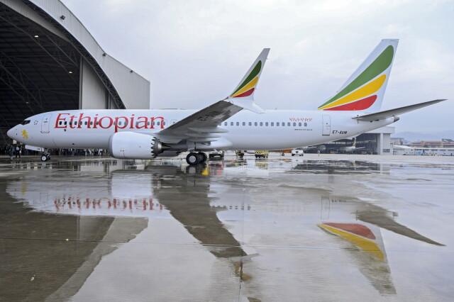 Nowy samolot, dobra pogoda i katastrofa.