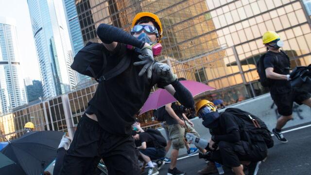 Tysiące rannych i zatrzymanych. W Hongkongu protesty nie ustają od stu dni