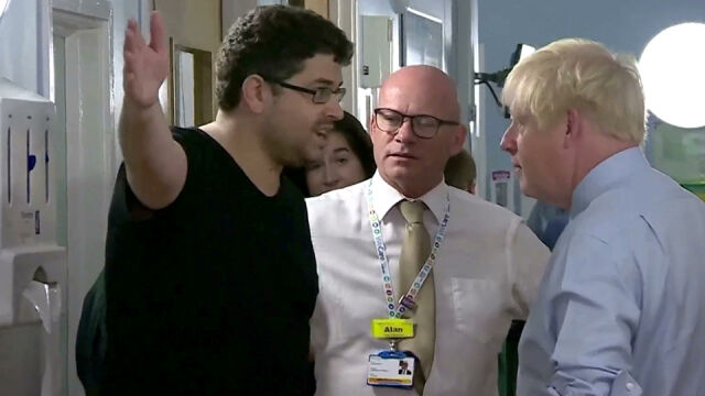 Boris Johnson odwiedziłszpital. Usłyszałgorzkie słowa