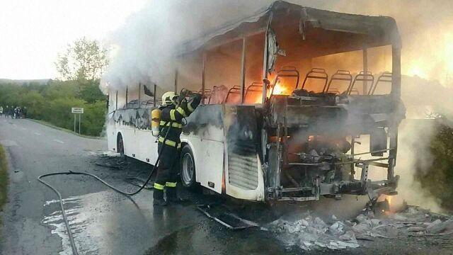 Kierowca uratował dzieci z płonącego autobusu