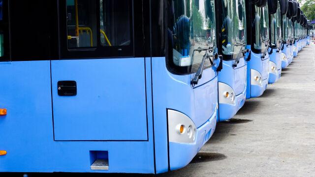 1380 przywróconych linii autobusowych, ale niewiele wykorzystanych pieniędzy