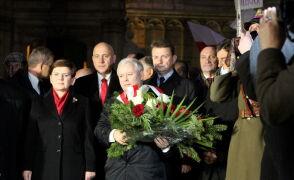 PiS świętuje w Krakowie. Na Wawelu burza oklasków