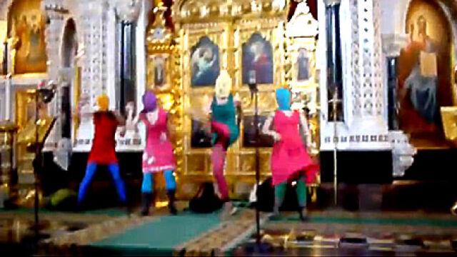 "Za ""koncert"" w cerkwi grozi im 7 lat łagru"