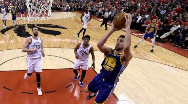 Dramatyczny mecz finału NBA. Mistrzowie pozostają w grze