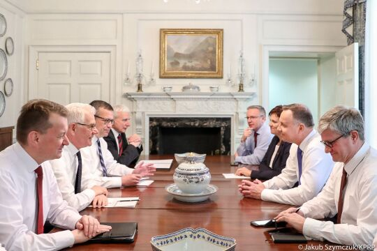Ostatnie przygotowania polskiej delegacji przed rozmowami w Białym Domu