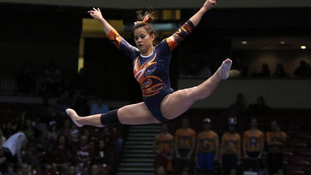 Gimnastyczka złamała obie nogi. Do ślubu chce iść o własnych siłach