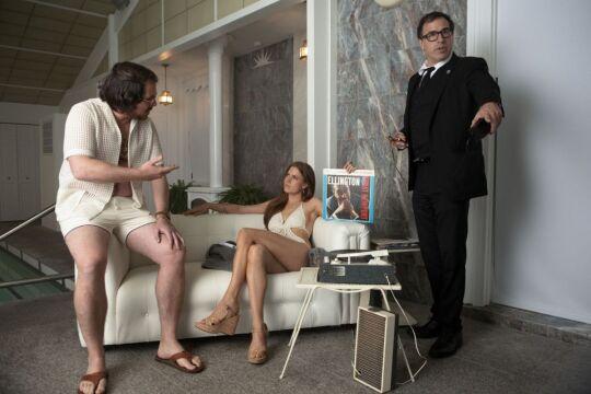 Na planie filmu - reżyser David O. Russell z Amy Adams i Christianem Balem