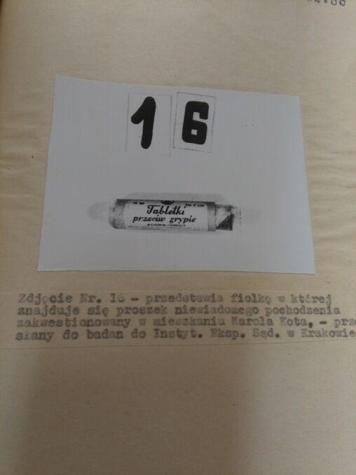 W opakowaniu po tabletkach przeciw grypie milicjanci znaleźli biały proszek - arszenik