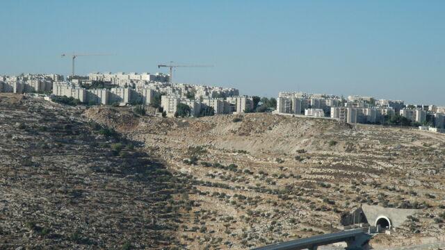 Raport: Izrael powinien zerwać z polityką osadnictwa i ekspansji