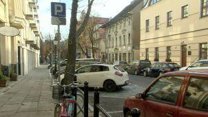Poznań podwyższa mandaty za parkowanie bez biletu.