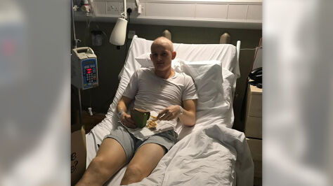 Młody piłkarz wygrał walkę z rakiem i wrócił na boisko