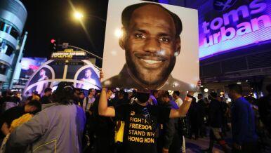 Chińska telewizja nie pokazała inauguracji sezonu NBA