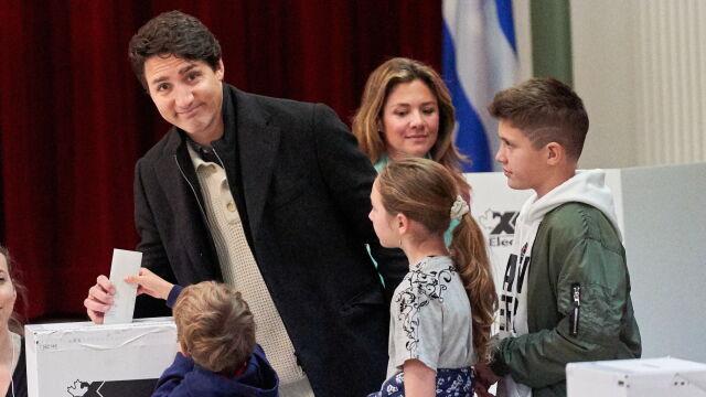 Liberałowie triumfują w Kanadzie, ale sami rządu nie stworzą