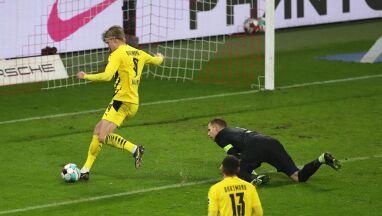 Borussia Dortmund pomogła Bayernowi. Schalke uniknęło wstydu