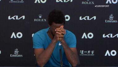 Łzy na konferencji w Melbourne.