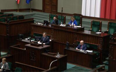 """Nocne procedowanie ważnych spraw w Sejmie. """"To już chyba norma"""""""