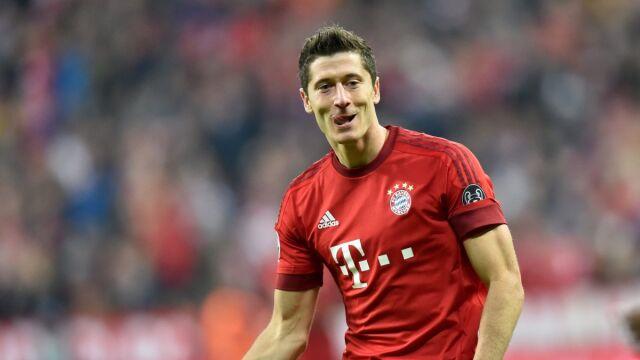 ac98cbe5b Lewandowski w jednej drużynie z Ronaldo. UEFA doceniła Polaka. Robert  Lewandowski ...