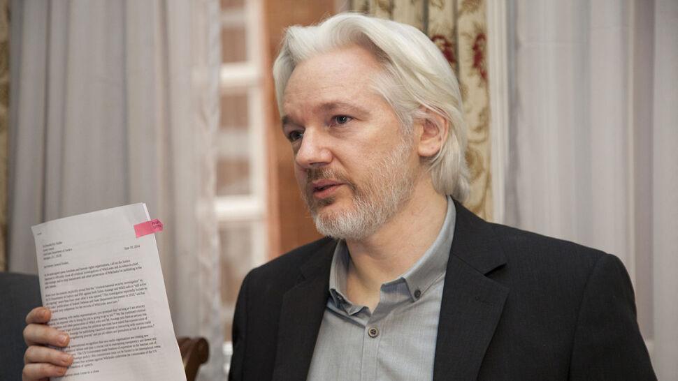 """Assange jak """"kamień w bucie"""""""