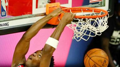 Mistrzowie NBA na fali. Awans na wyciągnięcie ręki