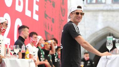 Huczne świętowanie piłkarzy Bayernu. Lewandowski znowu w roli głównej